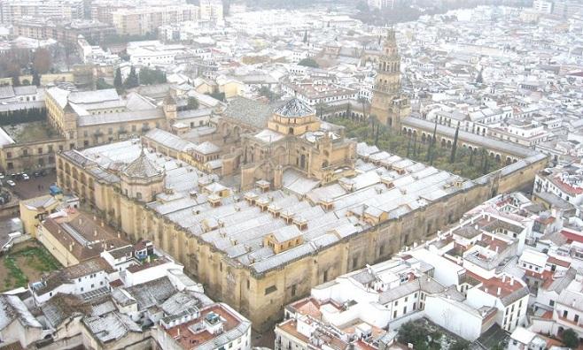 Mezquita_de_Córdoba_con_nieve_-_BLANCA