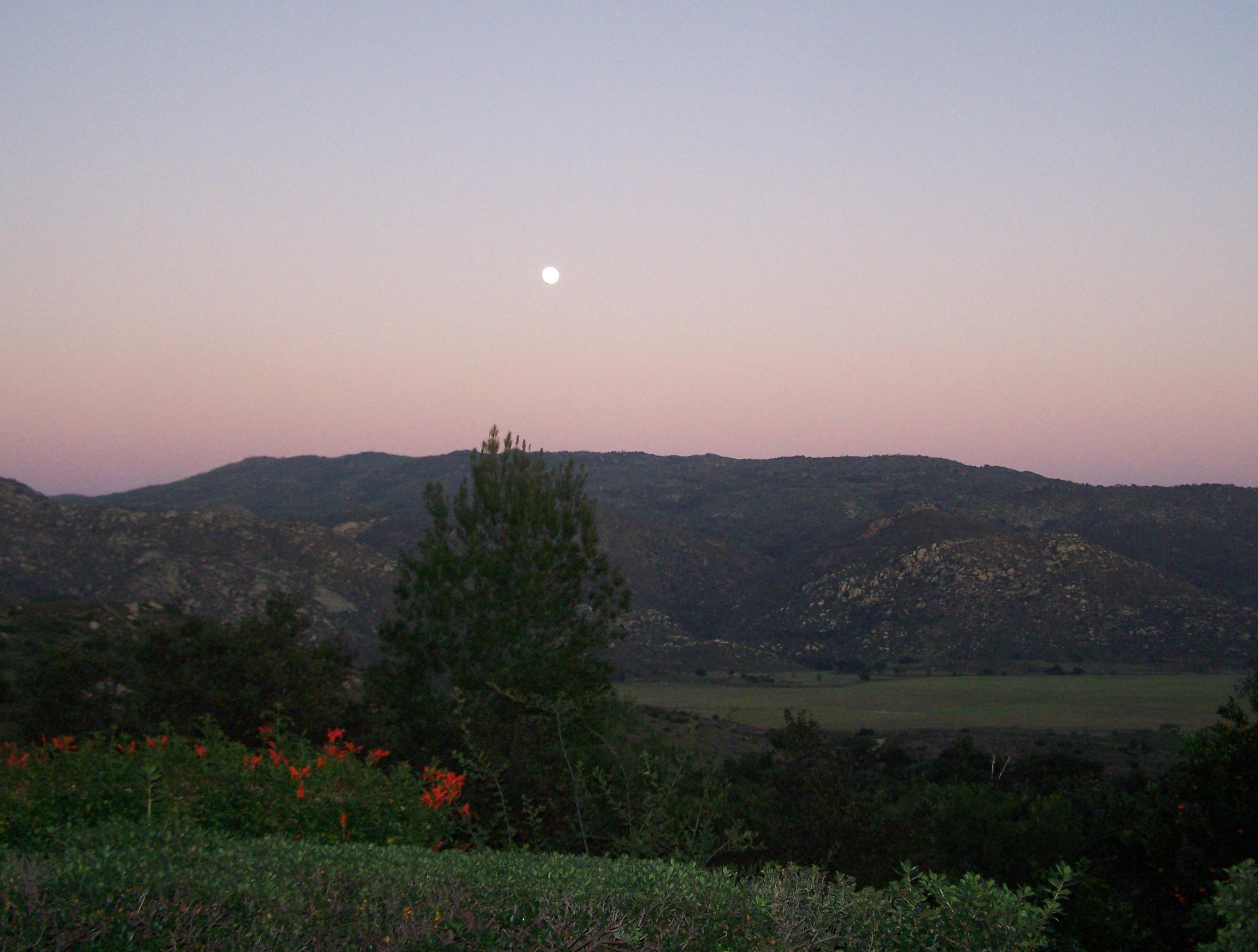 Moonrise over the Guajito