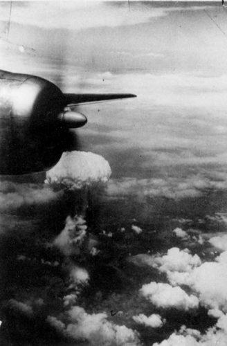 Nagasaki Mushroom cloud from B-29 observer plane