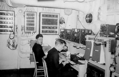 U.S. Navy Shipboard Radio Room showing WWII RAK/RAL & RAO/RBL receivers along with the LM Freq Meter far  upper right and the Scott SLR receiver located just below the order binders.   Source: Radio Boulevard Western Historic Radio Museum online at http://www.radioblvd.com/WWII-PostWar%20Hamgear.htm