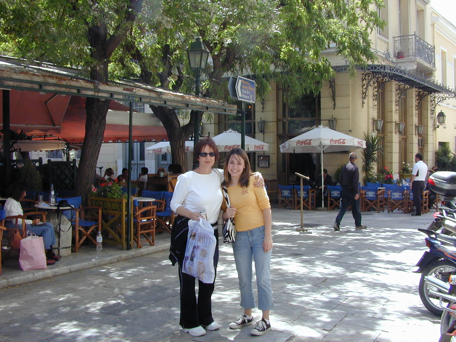 cindy and annie in plaka