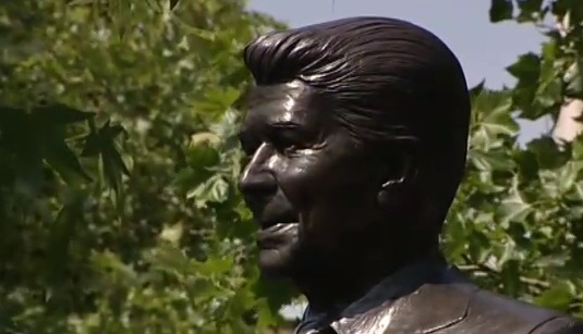 statue of rr